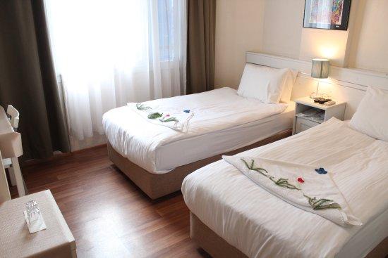 Urkmez Hotel: Twin Room