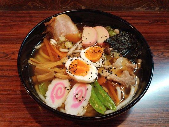 Omachi, Jepang: 醤油ラーメンスープの五目うどん