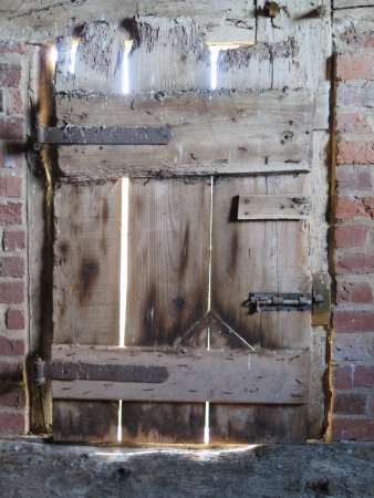 Leigh Sinton, UK: Barn door
