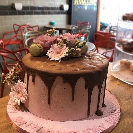 Bexhill-on-Sea, UK: Birthday cake