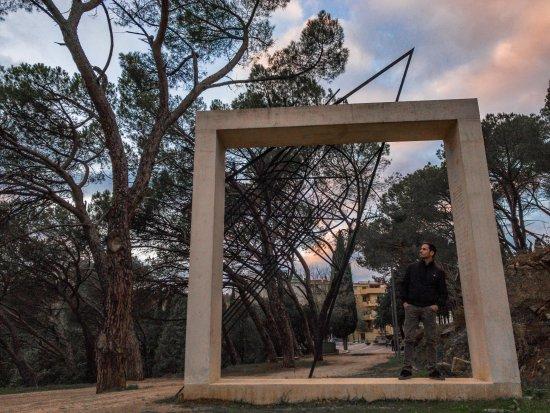 Monumento a Grazia Deledda di Maria Lai