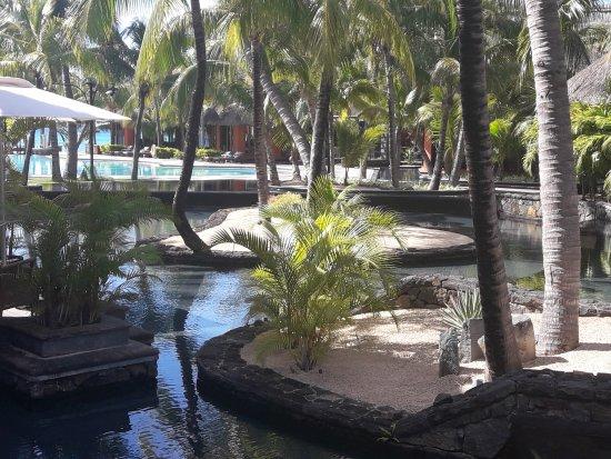 Dinarobin Beachcomber Golf Resort & Spa: Bassin de l'hôtel dinarobin