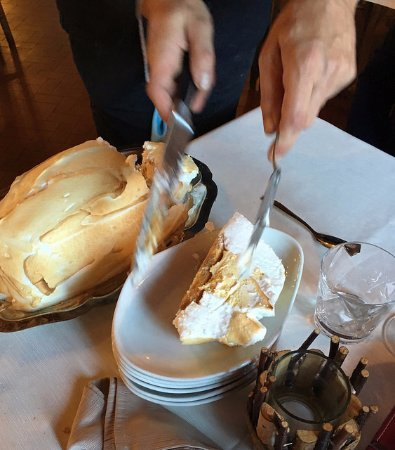 Dessert Une Omelette Norvégienne Picture Of Bastide De Fauzan - Cuisine norvegienne
