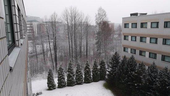 Holiday Inn Helsinki-Vantaa Airport: View from Standard twin room #521