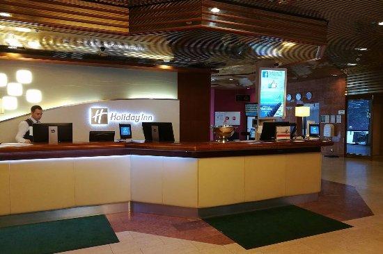 Holiday Inn Helsinki-Vantaa Airport: Reception