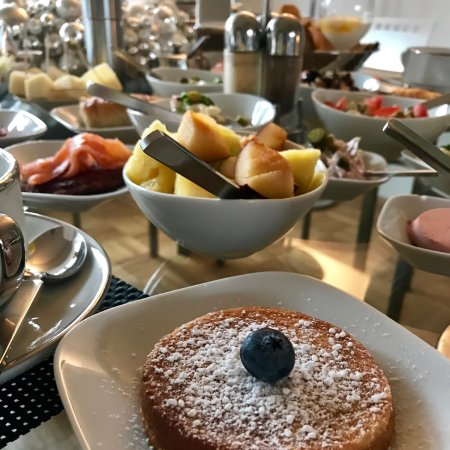 B & B Cologne Filzengraben: Bed & Breakfast Cologne - Breakfast- Brunch at the Christmas Season 2017