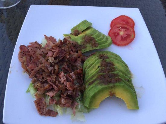 Cassia Lodge : Avocado bacon salad