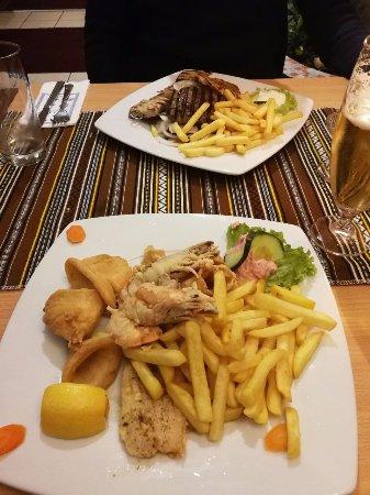 Bad Staffelstein, Germany: Das gegrillte Fleisch und auch der Fischteller waren einfach nur köstlich.