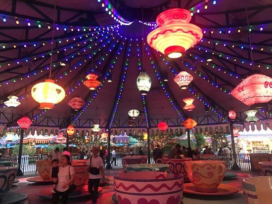 photo3.jpg - Picture of Hong Kong Disneyland Hotel, Hong Kong - TripAdvisor
