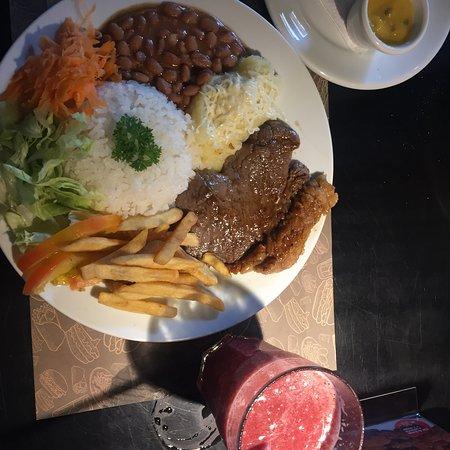 Kiwi Tropical: Mais um prato mini (q de mini não tem nada) 😉