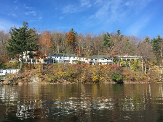 North Hatley, Canada: view of the Hovey Manoir from the water