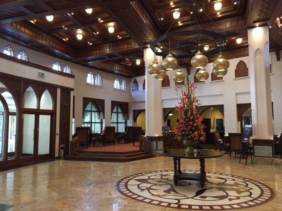 Dar es Salaam Serena Hotel: Hall du Serena Hôtel Dar el Salam