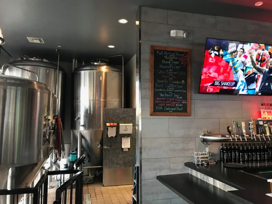 Aliso Viejo, Kalifornien: They brew their own beer!