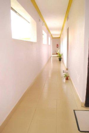 Kasese, Uganda: GuestHouse Corridor