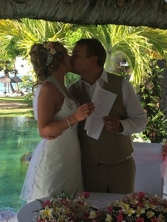 LUX* Le Morne : Our wedding