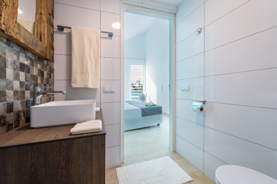 Badkamer Met Slaapkamer : Badkamer slaapkamer gecombineerd