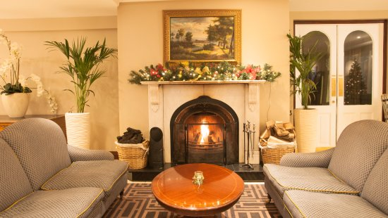 Ennis, Irlanda: Welcoming Open Fireplace
