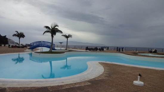 Los Gigantes, España: The main pool early evening