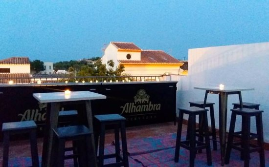 Guaro, İspanya: Roof terrace during the Luna Mora Festival