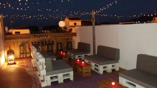 Guaro, İspanya: Roof terrace at night