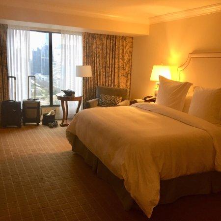Four Seasons Hotel Vancouver: photo1.jpg