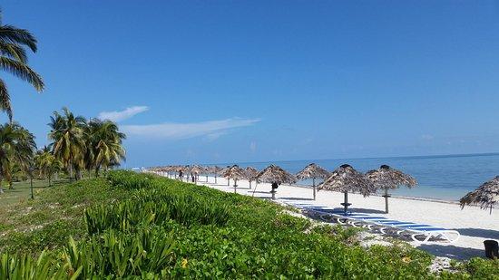 Playa Santa Lucia, Cuba: Caracol Beach in the morning/ La playa de Caracol en la mañana