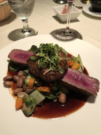 New London, Nueva Hampshire: The venison at the Coach House restaurant