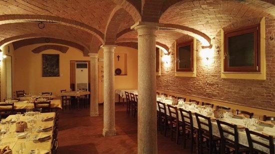 Ristoranti Bagnolo San Vito Mn : La sala ristorante 2 foto di corte colombarola bagnolo san vito