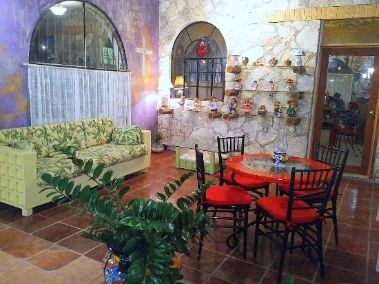 Emytito: Love the area throughout where you can sit and relax!