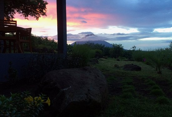 Balgue, Nicaragua: Spectacular sunsets from your porch (Room 1)