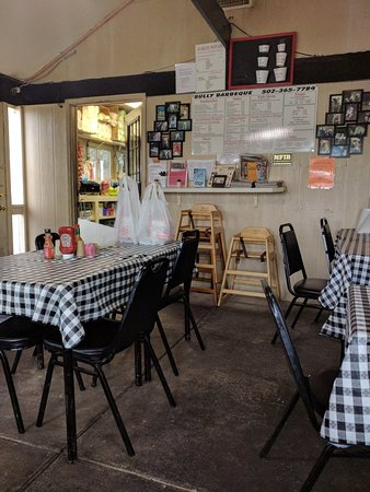 La Grange, KY: Bully Barbecue
