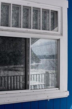 Sainte-Rose-du-Nord, Canadá: Fenêtre sur la terrasse