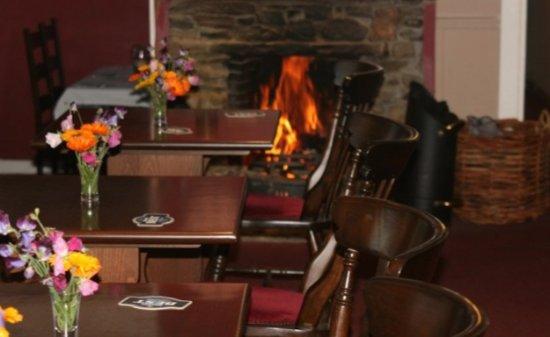 Horse & Hounds Bar - Kirkmichael Hotel