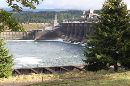 Cascade Locks, OR: Dam