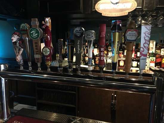 Fonthill, Canada: A nice array of beers..........