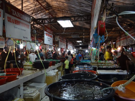 D' Talipapa Market: Seafood Market