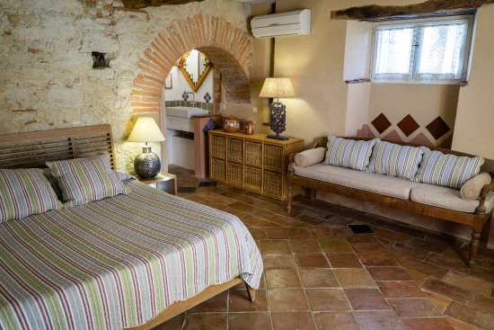 Cuq-Toulza, Francia: the terrace room with shower room