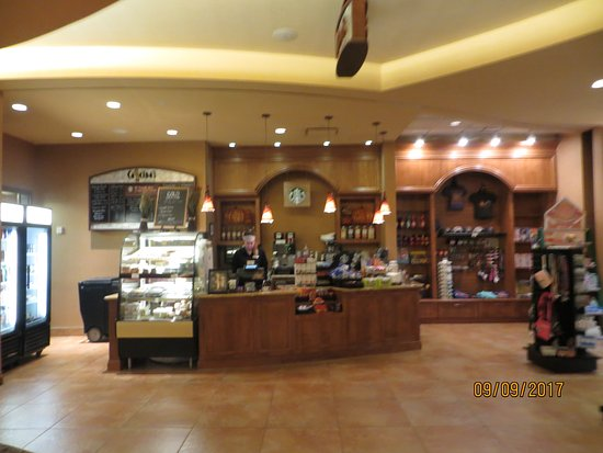 Embassy Suites by Hilton Loveland - Hotel, Spa and Conference Center: Starbucks