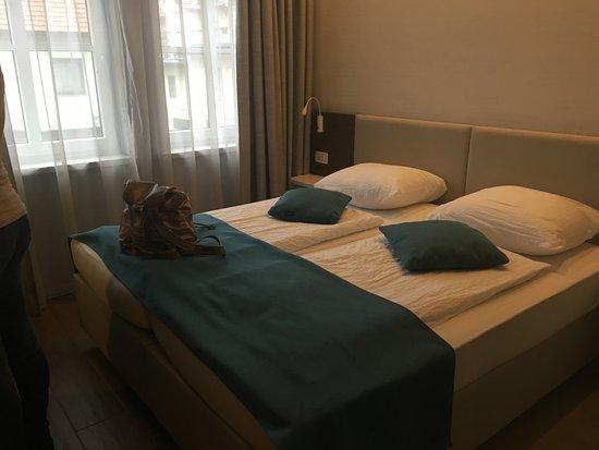 Hotel Emonec Foto
