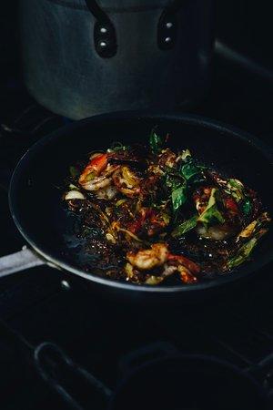 Cinnabar: Sizzling Jamaican spiced prawn pots - toum