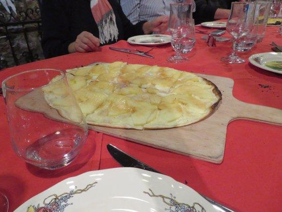 Soultz-les-Bains, France : Tarte dessert aux pommes flambée