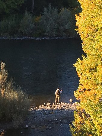 Grants Pass, Oregón: A fisherman on the river