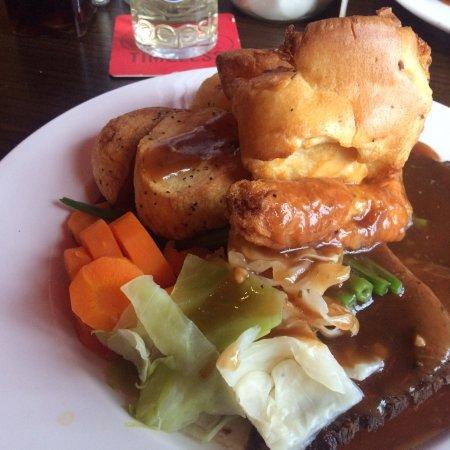 Graveley, UK: Very yummy amazing Sunday roast!