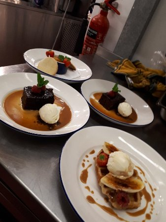Godalming, UK: desserts