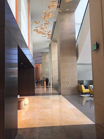 Omni San Diego Hotel: Lobby