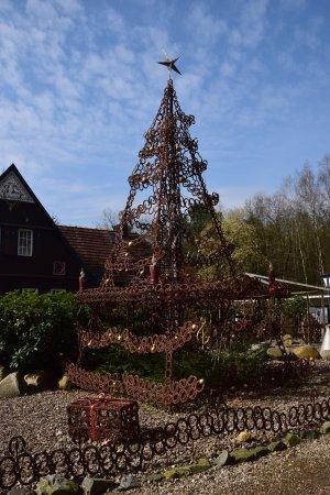 Bispingen, Deutschland: Horseshoe tree