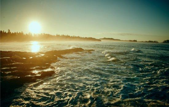 Wickaninnish Inn and The Pointe Restaurant: Chesterman Beach Sunrise