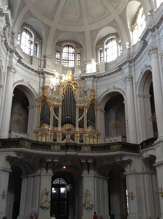 Katholische Hofkirche - Dresden: The Organ