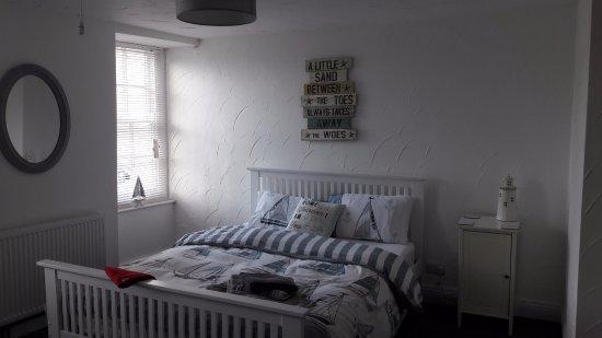 Ilfracombe, UK: family room