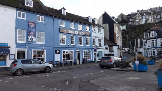Ilfracombe, UK: Ship and Pilot exterior